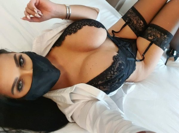 Girls In Lace And Fishnet 41 pics